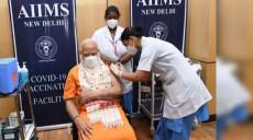 भारतीय प्रधानमन्त्री मोदीले लगाए कोरोनाको दोस्रो खोप