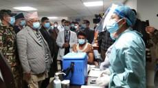 कोरोना विरुद्धको खोप अभियानः टिचिङ अस्पतालमा जे देखियो....
